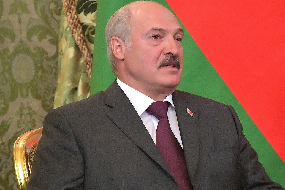 Лукашенко рассказал, что привык к тому, что его называют батькой, и сравнил себя с белкой в колесе