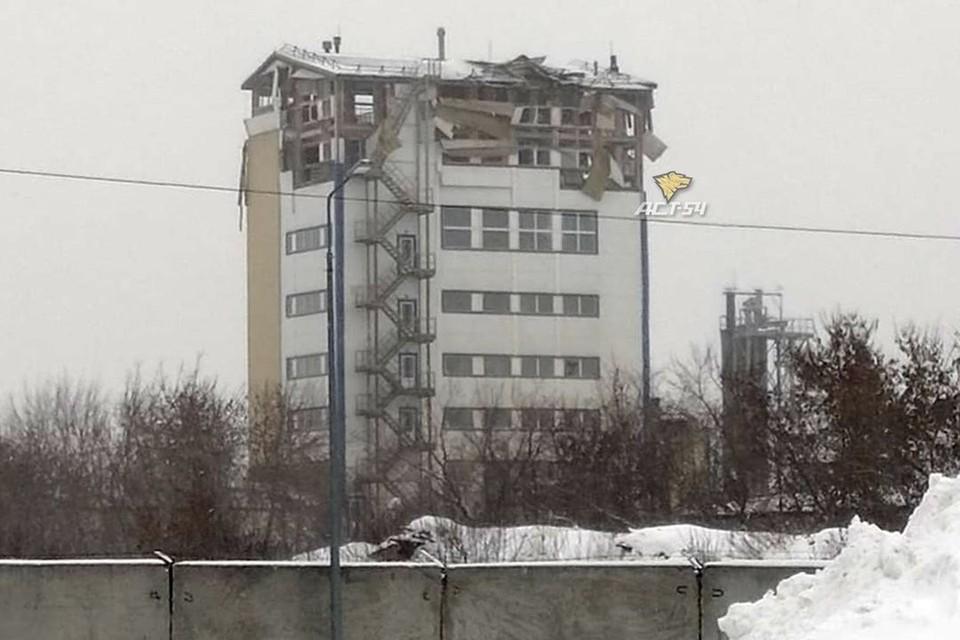 В Новосибирске произошел взрыв в многоэтажно производственном здании. Фото: «АСТ-54»