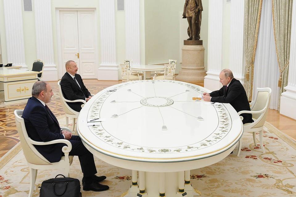 Лидеры Азербайджана и Армении прилетели в Москву. Фото: Михаил Климентьев/ТАСС