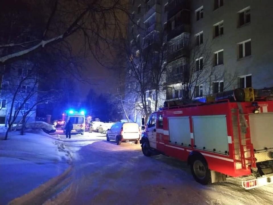 Восемь человек погибли при пожаре в Екатеринбурге. Фото: ГУ МЧС по Свердловской области