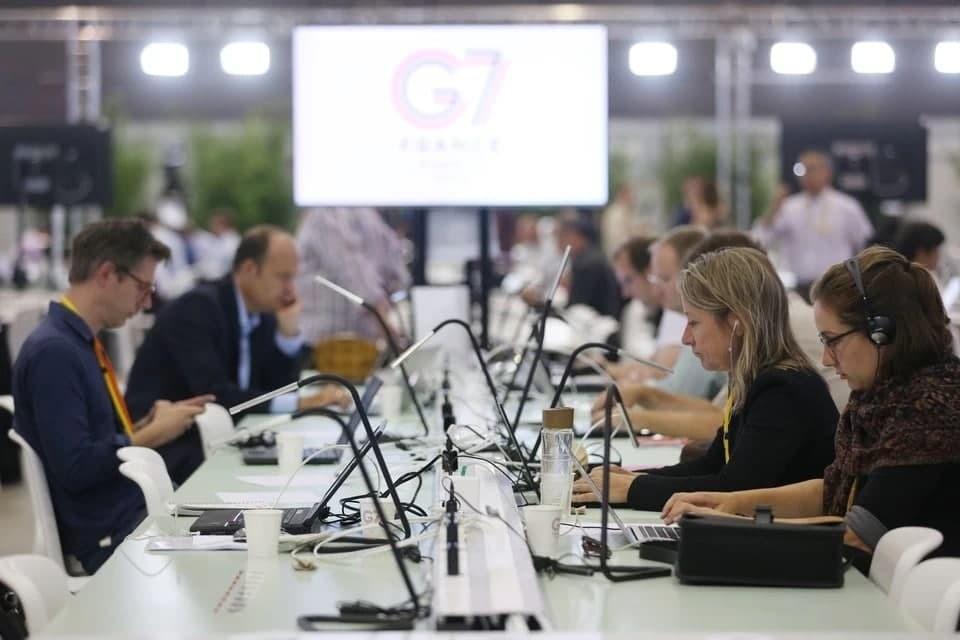 Британия проведет саммит G7 в курортном городе Карбис-Бэй