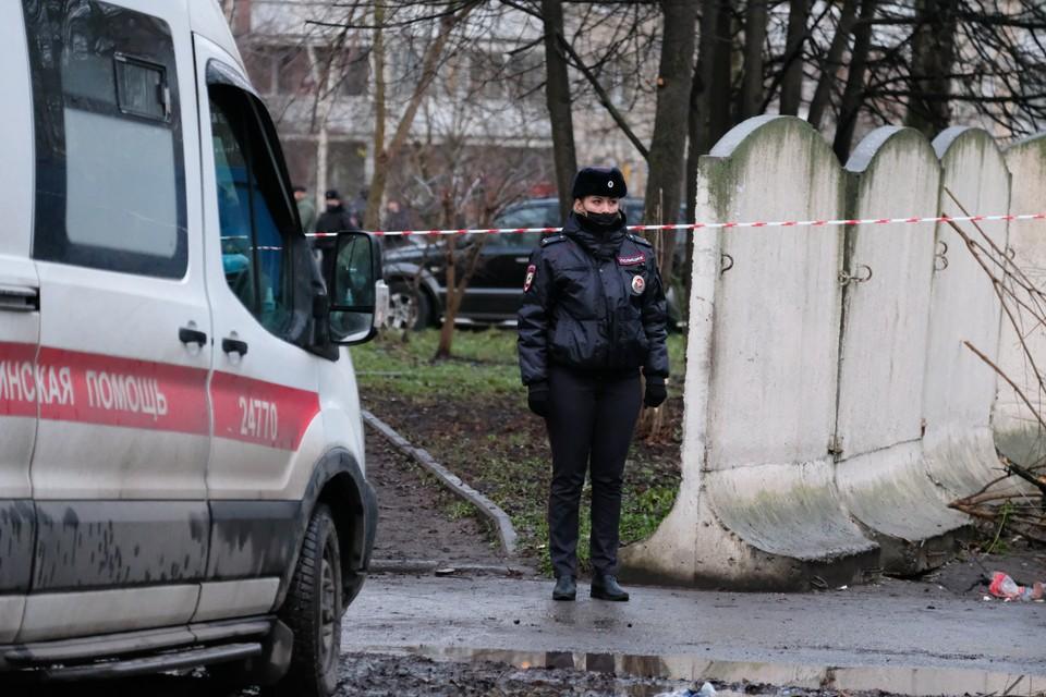 """После того, как девочку привезли в больницу на """"Скорой"""", в ее дом с проверкой наведались полицейские"""