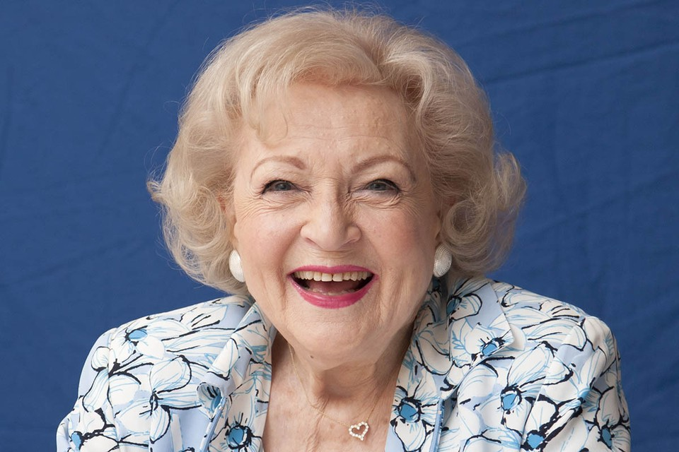 «Не относитесь к себе слишком серьезно»: Отметившая 99 лет актриса Бетти Уайт открыла секрет долголетия