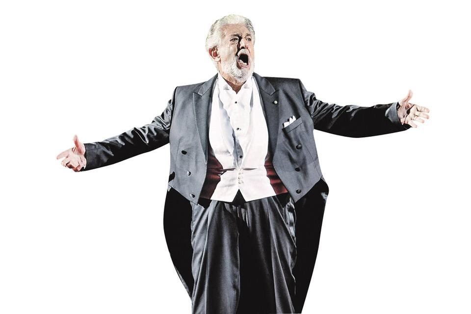 А это Пласидо Доминго всего полгода назад на концерте в знаменитом амфитеатре «Верона Арена», уже переболевший коронавирусом. Фото: Keystone Press Agency/globallookpress.com