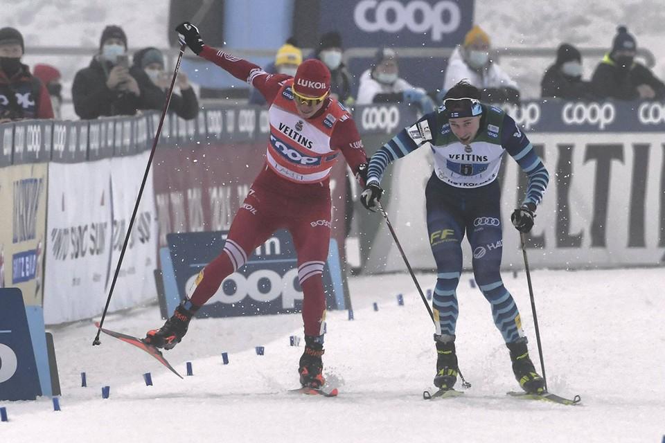 Российский спортсмен вспылил и махнул палкой в сторону финна, с которым сражался за серебро