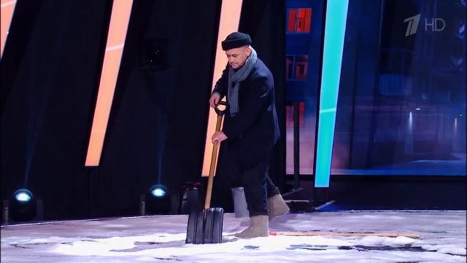 Дворник-художник из Ижевска прошел в финал шоу талантов на Первом канале
