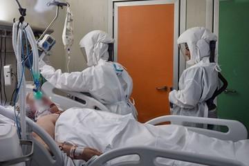 Итальянский врач убивал больных коронавирусом, чтобы освободить койки для других