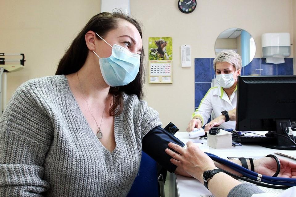 """Температура, ломота в мышцах и """"американские горки"""": с какими реакциями пришлось справиться иркутянке после прививки от коронавируса."""