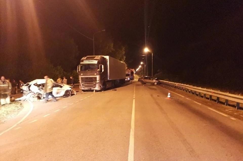 В аварии оказались задействованы сразу три машины