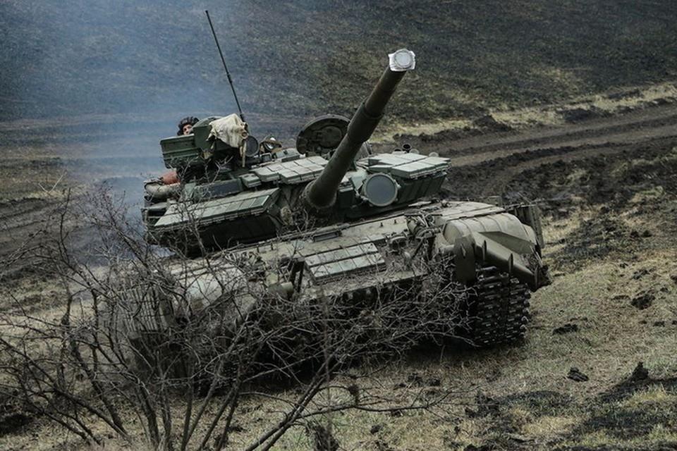 Украинская армия стягивает технику к передовой. Фото: Пресс-центр штаба ООС