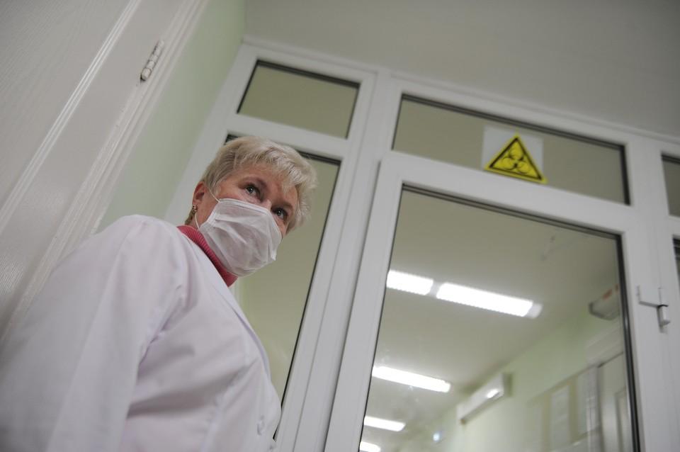В инфекционных стационарах республики сейчас находятся 234 больных COVID-19 пациентов.