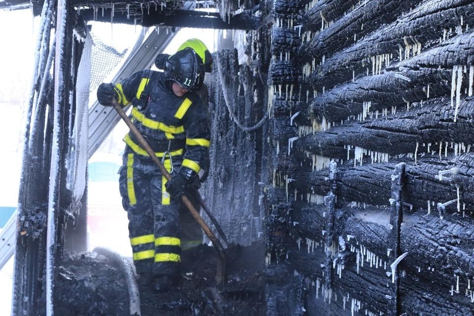 Когда пожарные приехали, спасать было уже некого... Фото: МЧС по Коми.