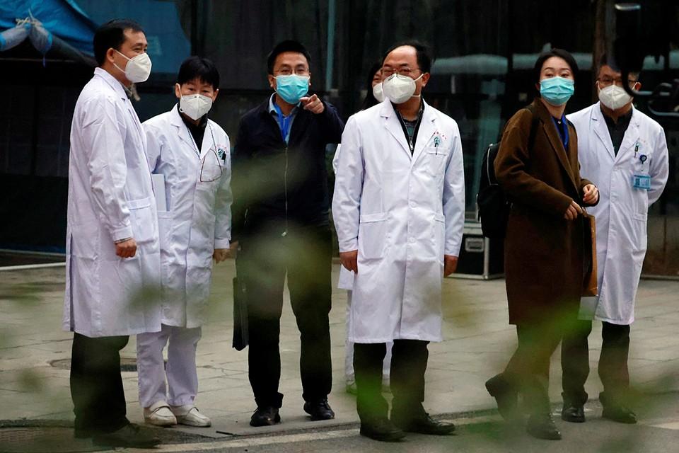 Участники делегации ВОЗ заверили, что нет никаких убедительных данных, позволяющих считать, что коронавирус начал свой путь среди людей раньше декабря позапрошлого года