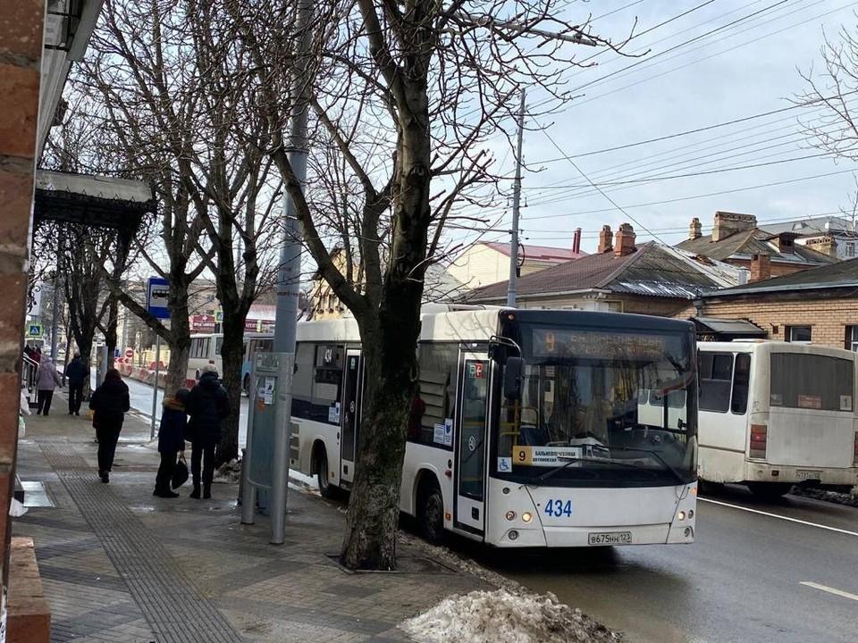 Так выглядит остановка на пересечении улиц Октябрьской и Ленина
