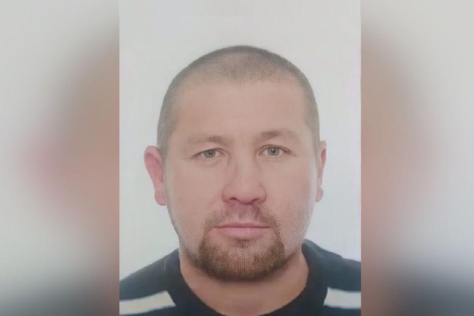 В Новосибирске ищут пропавшего 40-летнего Петра Владимировича Проворова.