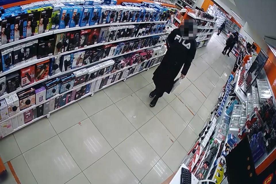 Мужчина продал технику, а деньги потратил. Фото: скриншот видео