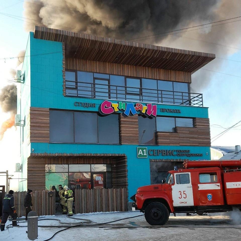 Кроме « Стиляг» во время пожара пострадали еще несколько организаций.