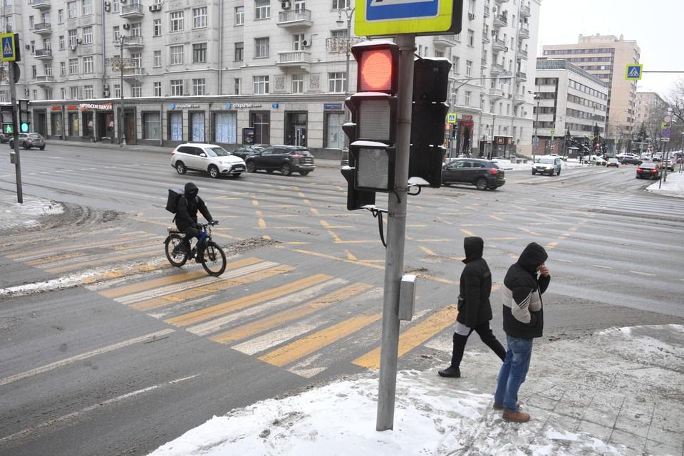 Утром 14 февраля пробки в Москве сократились до 3 баллов.