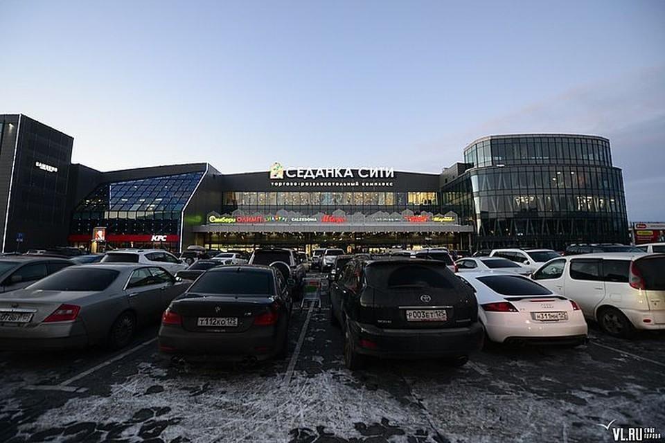 О проблеме района горожанка рассказала в сети. Фото: VL.ru