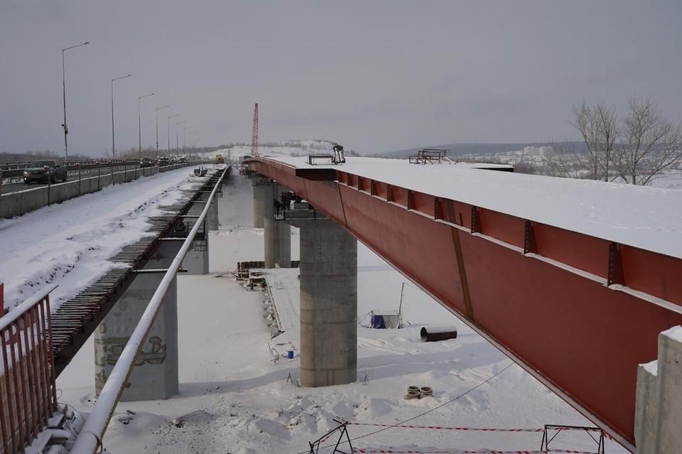 Рабочее движение по новому мосту планируют пустить на год раньше запланированного срока. Фото: правительство Самарской области