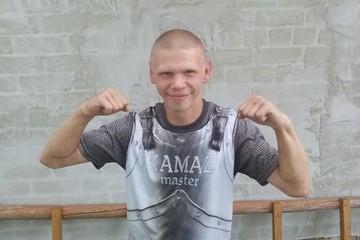 «Плачет и хочет домой»: белорусы собирают подписи за освобождение Димы Гопта из Жлобина – парня с особенностями развития, который попал в колонию