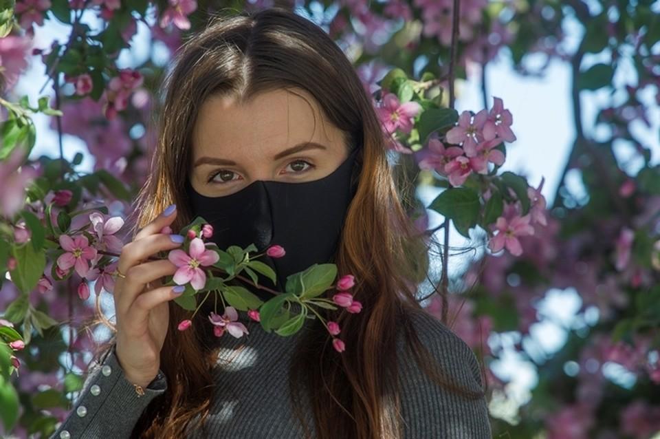 Граждане обязаны носить медицинские маски или респираторы в местах общего пользования.
