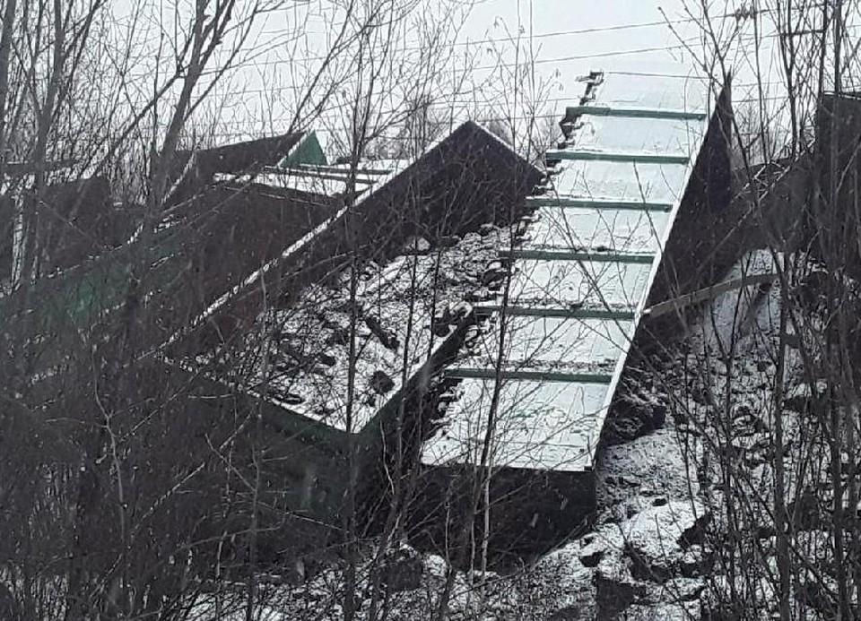 С момента аварии произошло около 20 часов, последствия еще ликвидируют. Фото: Восточно-сибирская транспортная прокуратура