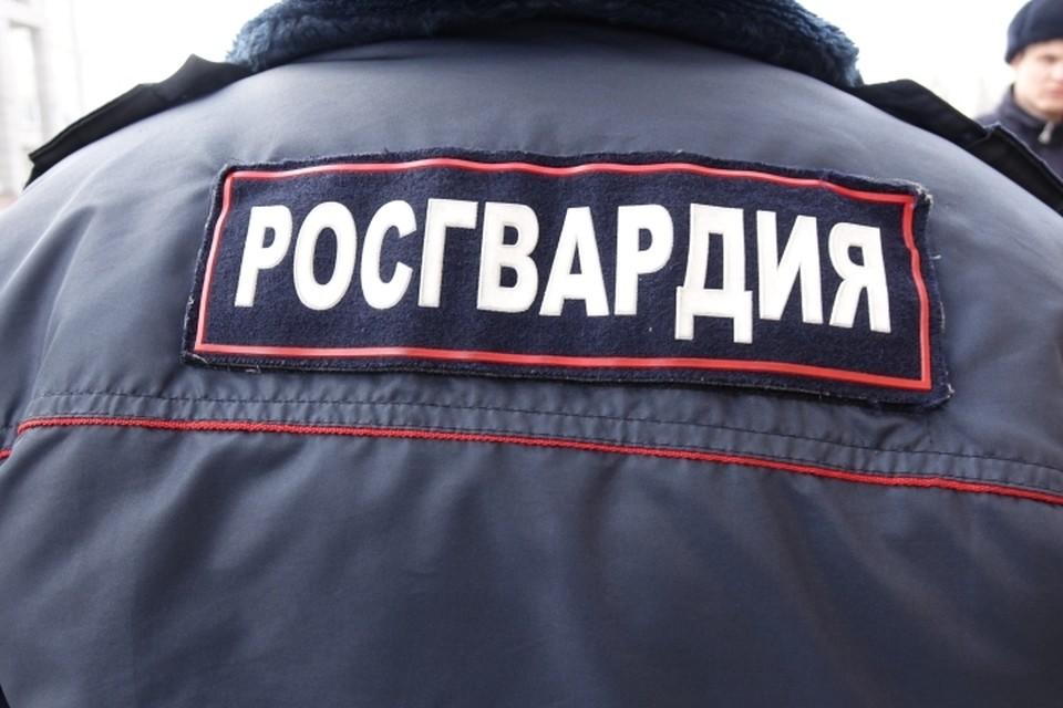 Кузбассовец с кочергой из-за ревности напал на жену