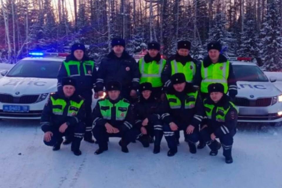 Инспекторы спецроты ГИБДД из Братска помогли замерзающему у трассы водителю