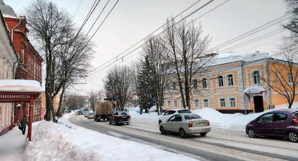 Заторы образовались также на улицах Кутузова, Гагарина, Жукова и Московской.