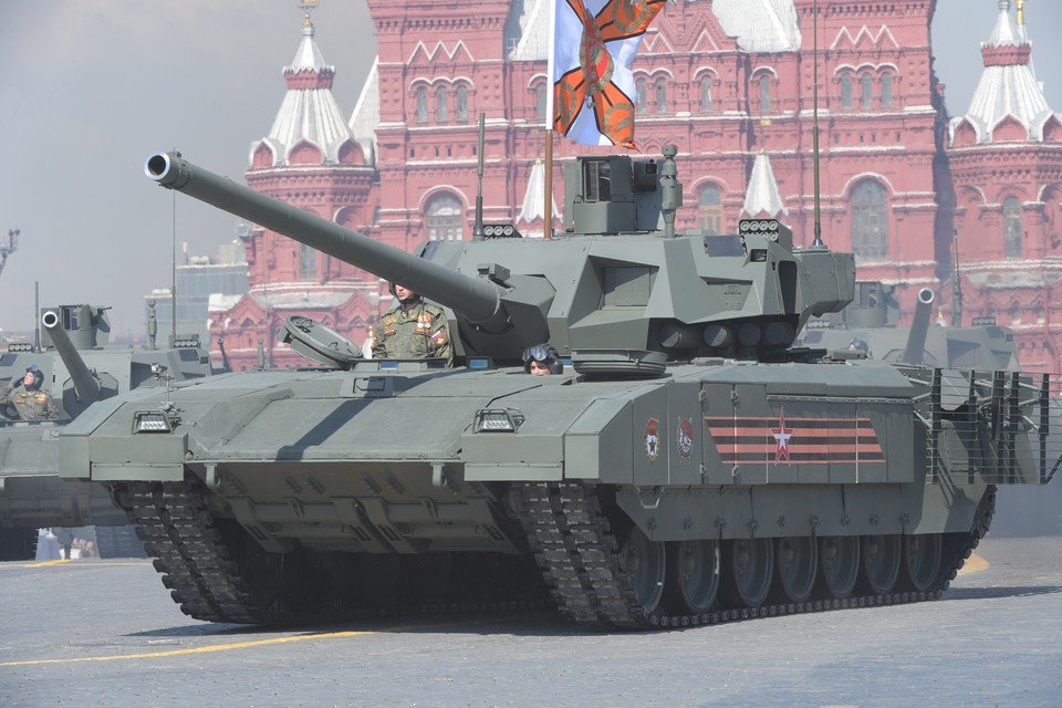 Поставки боевых танков «Армата» в армию России начнутся в 2022 году.