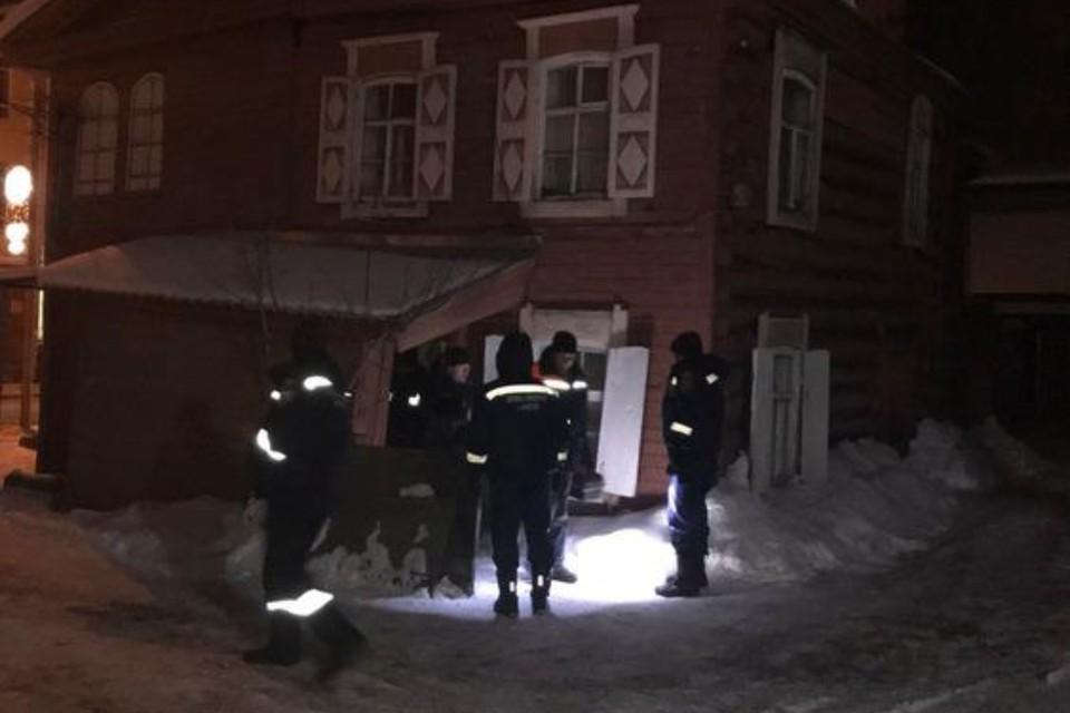 Потолок обрушился в деревянном доме в Иркутске