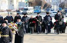 В Брянске на площади Партизан возложили цветы к Вечному огню