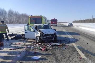 В столкновении двух легковушек в Татарстане погибли 4 человека