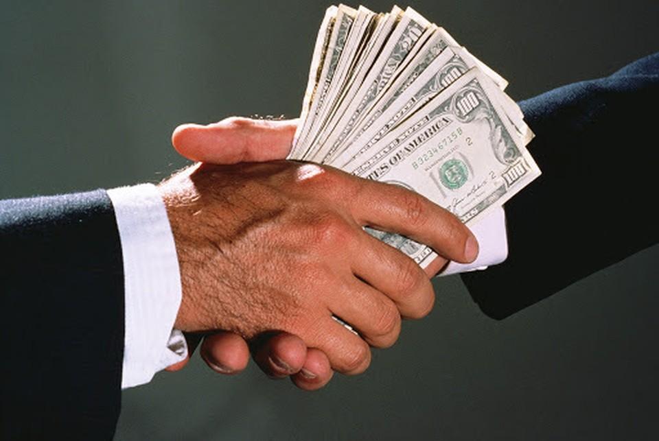 Депутаты оказались в 27,9 раз больше подвержены коррупции, нежели примары. Фото: соцсети