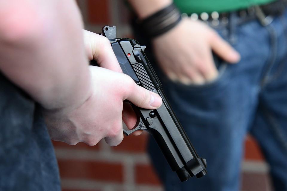 Полиция нашла стрелявшего мужчину. Найдено оружие, подозреваемый находится в СИЗО