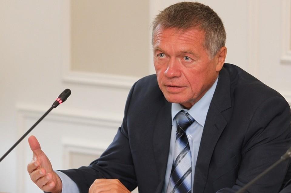 Виктор Леухин: более миллиарда рублей из бюджета ушло в медучреждения за пределами региона.
