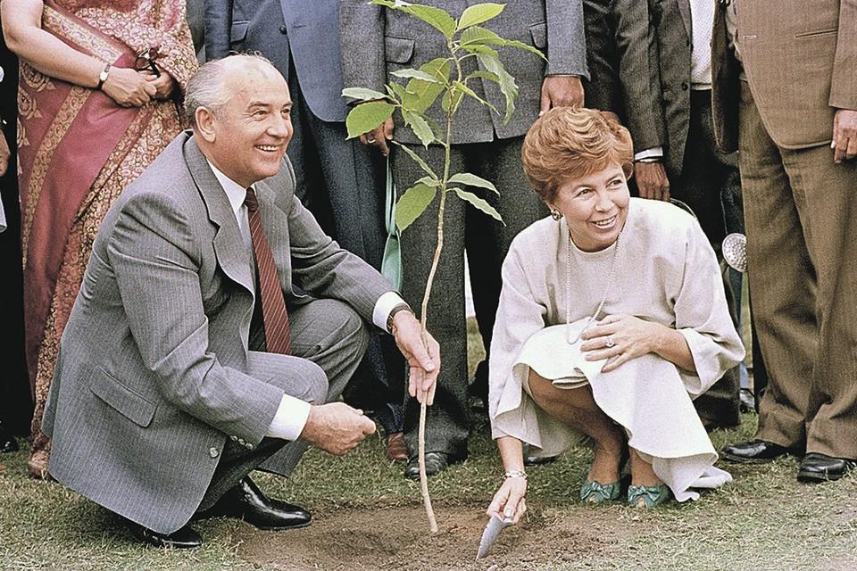 Вопрос дня: Какой вам запомнилась эпоха Горбачева?