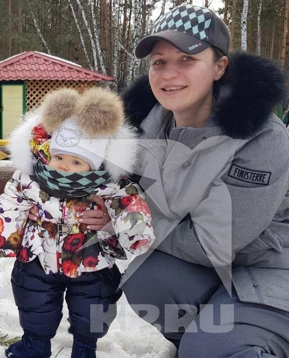 Оксана Фадина с дочерью Евой.