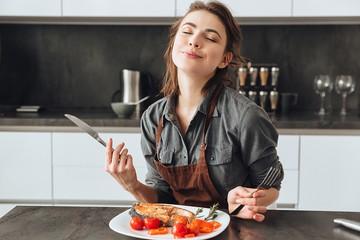 «Недорогие и встречаются в каждом супермаркете»: эксперт по питанию назвала семь продуктов для экономного, но здорового рациона
