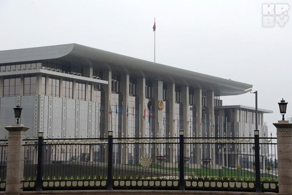 Лукашенко включил в число постоянных членов Совета безопасности глав МВД, КГБ и Минобороны