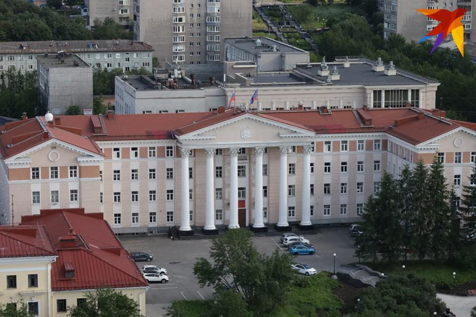 По данным избиркома на 1 января, в Мурманской области 581159 избирателей.