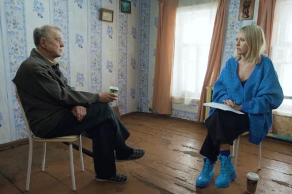 Ксения Собчак встретилась с Моховым у него дома. Фото: Youtube: СобчакДок.
