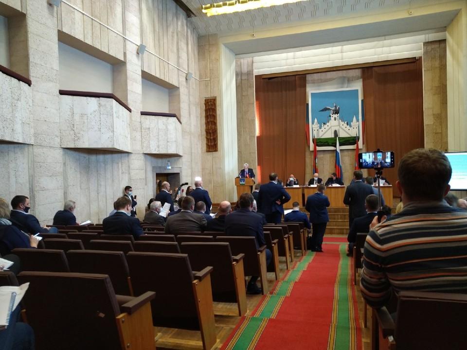 """Орловские депутаты устроили """"митинг"""" прямо во время сессии горсовета"""