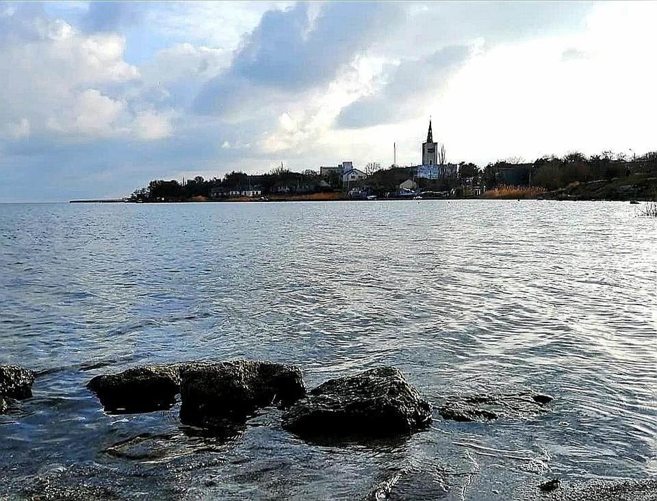Температура воды в Черноморском +6°.