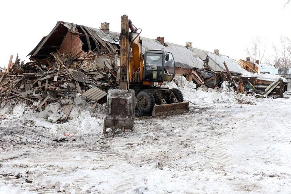 Еще одно аварийное здание снесли в Кемерове. Фото: Илья Середюк/ Instagram