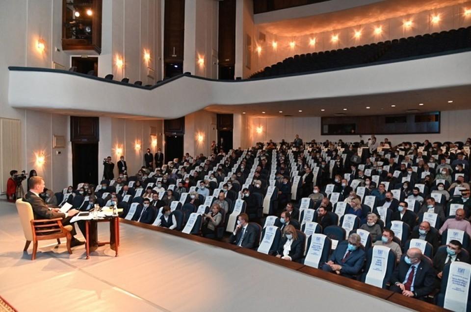 Заседания Народного совета возобновлены после коронавирусной паузы
