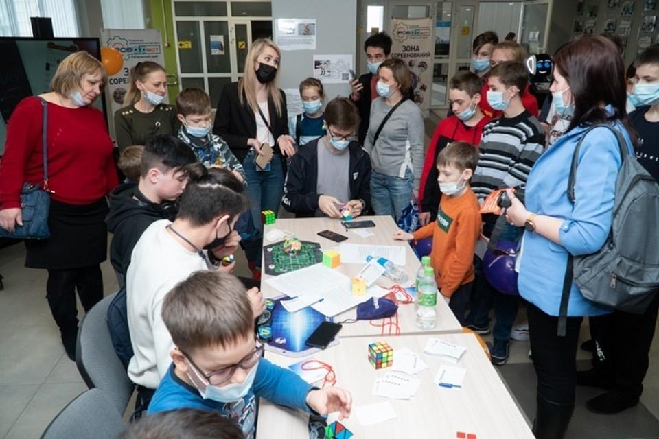 Около 300 юных техников выступили на фестивале «Робофест – Хабаровский край»
