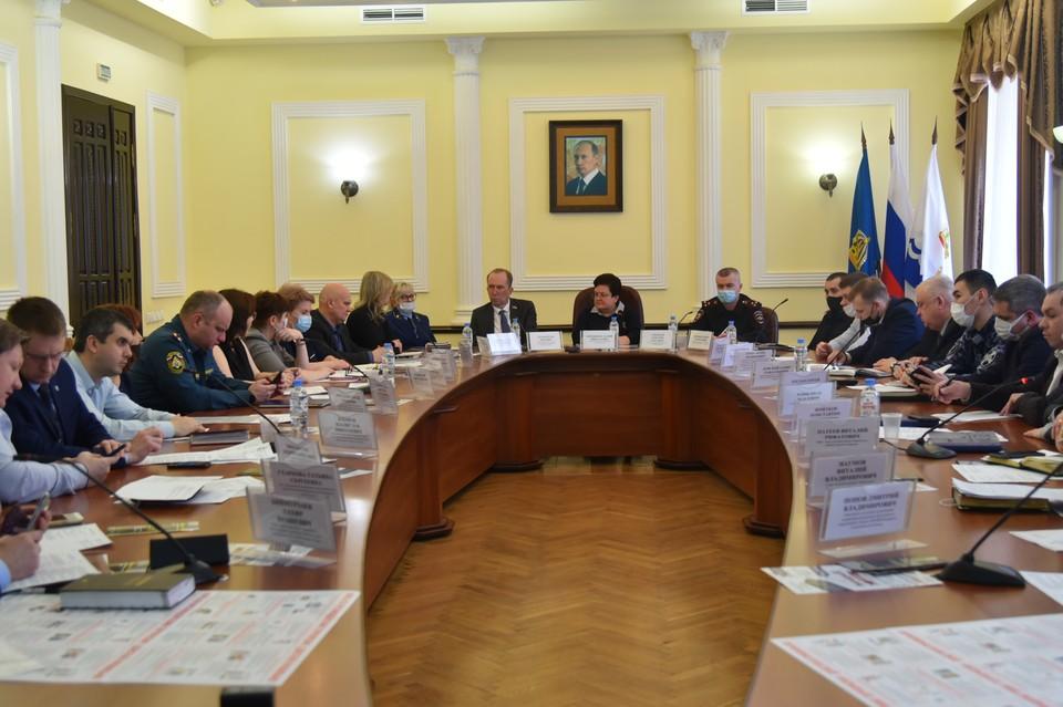 В администрации Астрахани провели первое в 2021 году заседание антитеррористической комиссии