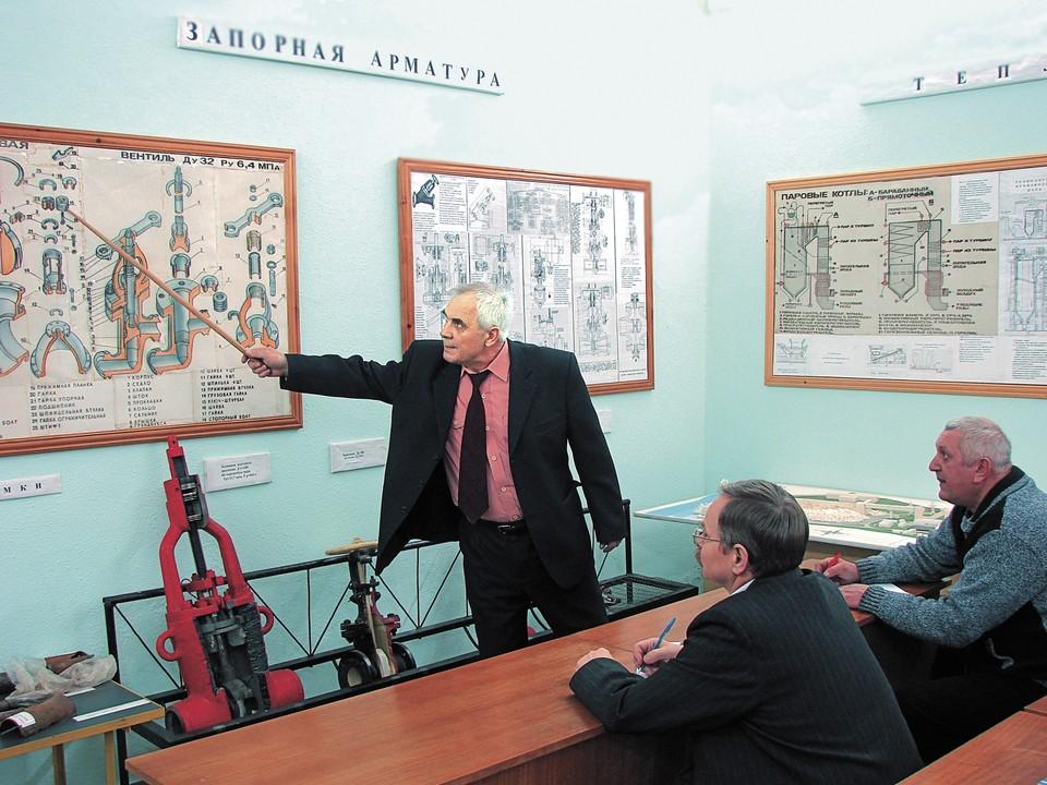 Виктор Иванович Калабухов, заведующий учебной частью ЦПП